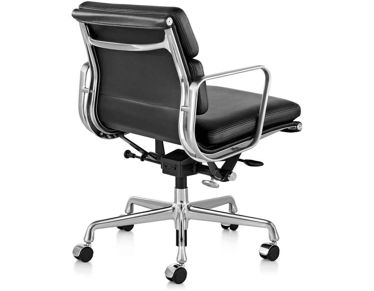 Eames EA217 Chair
