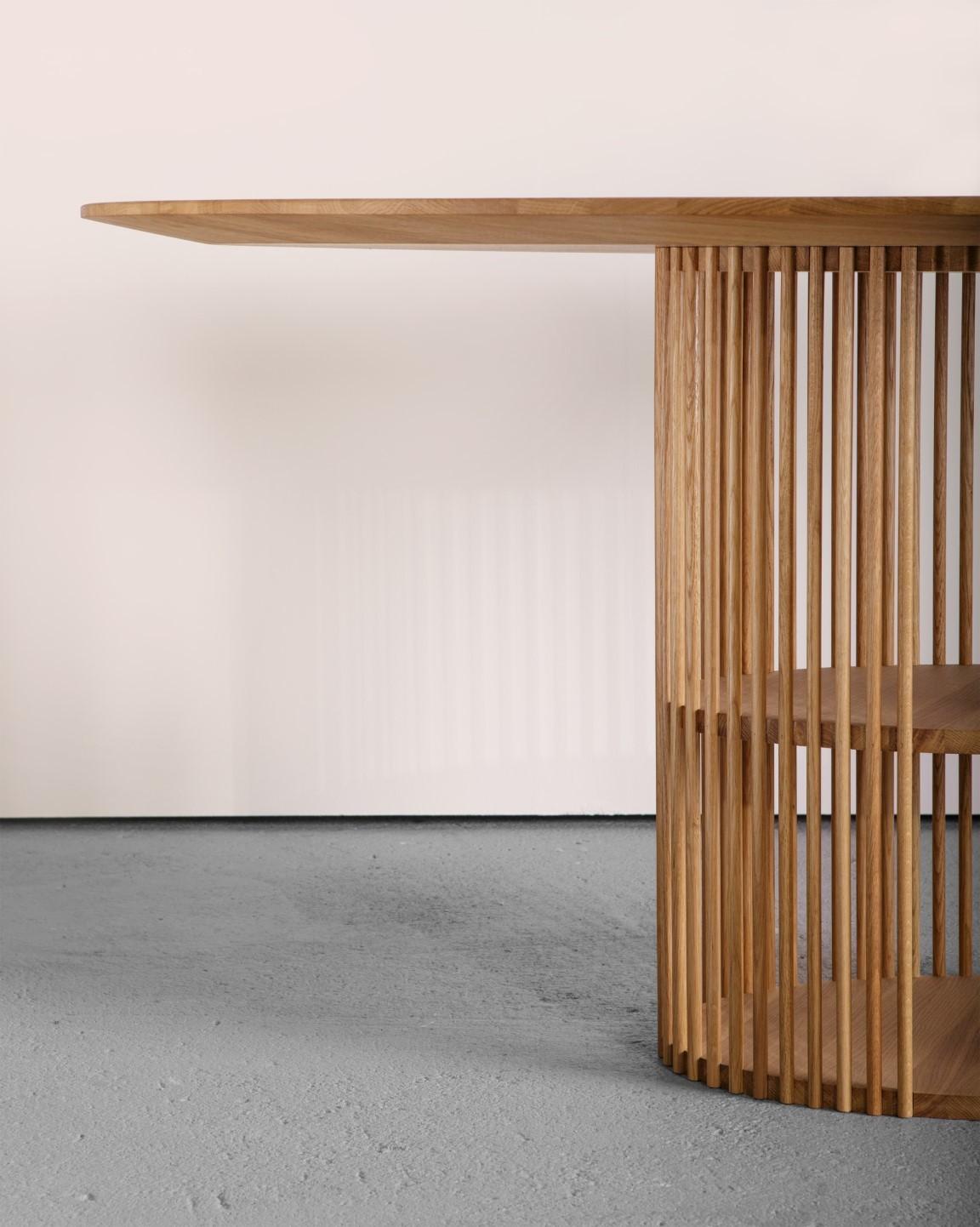 Обеденный стол ManualMode