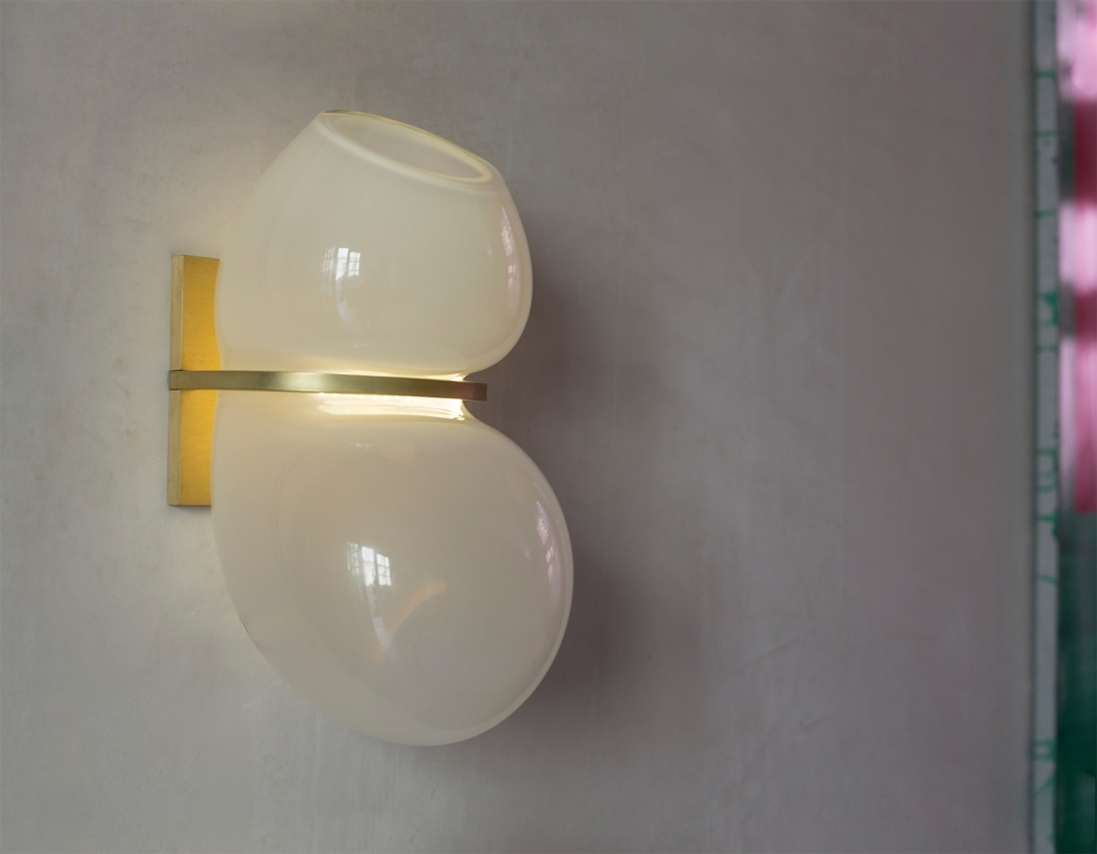 Catch Sconce 01.01