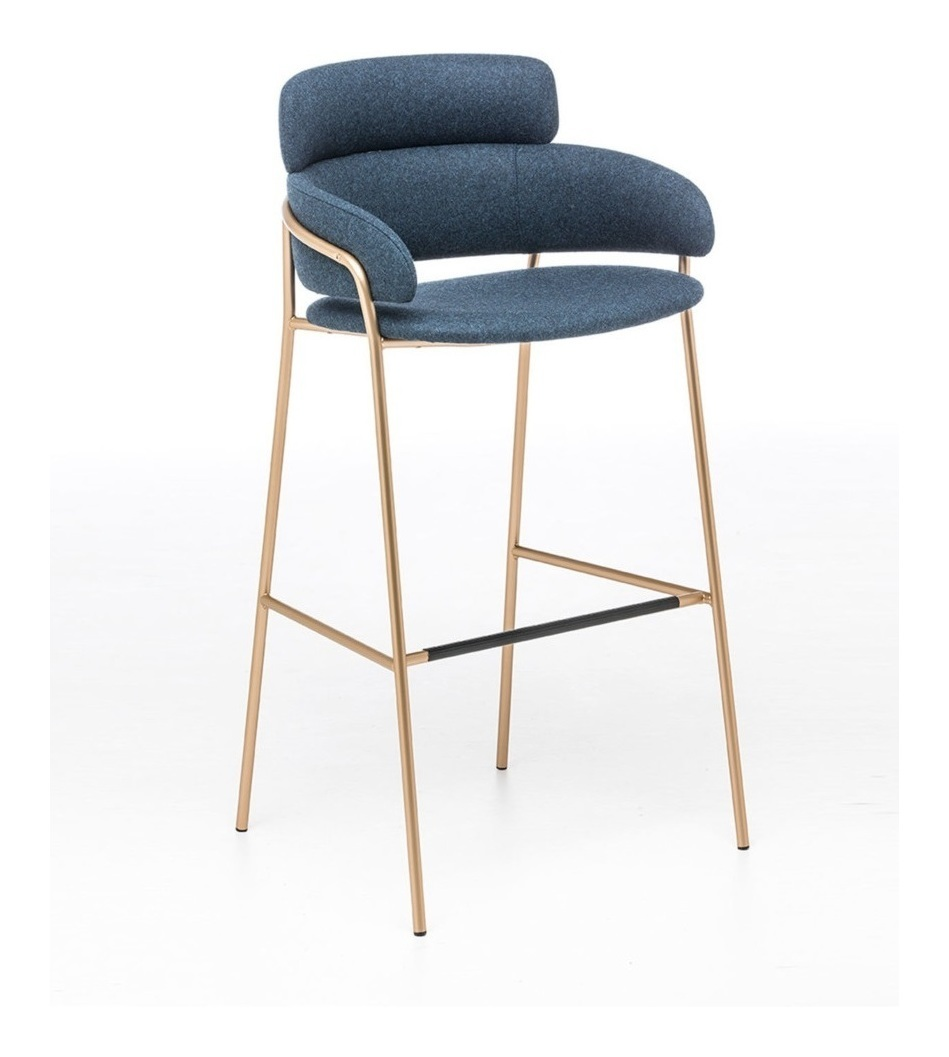 Strike ST Bar Stool